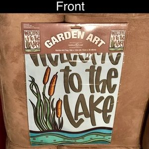 """NWT 🌿Garden Art Flag- """"Welcome to the Lake"""""""